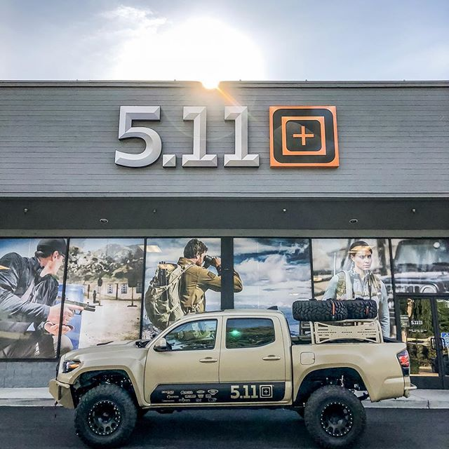 Heard it was going to be pretty cold in Vegas so I tried to stop by the Riverside 5.11 store on my way up only to realize we don't open until 11am. Didn't stop the photo-op though. @511tactical