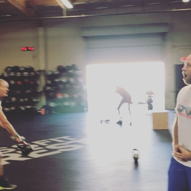 3 rounds of 6 minute AMRAPs. Solid work by the 8am crew. 6min AMRAP 10KB Snatches (5per arm) 10 Box Jumps 1 minute rest 6min AMRAP 10 T2B 1 Rope Climb Rest 1 min 6min AMRAP 35 Double Unders 10 HSPU